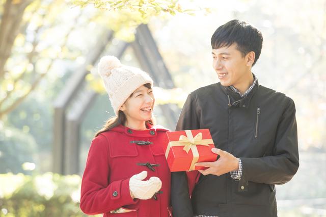 社会人の彼氏のクリスマスプレゼントは?予算は?社会人1年目では?