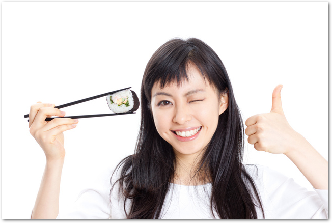 巻き寿司の巻き方は簡単?ラップでは?コツを教えて?