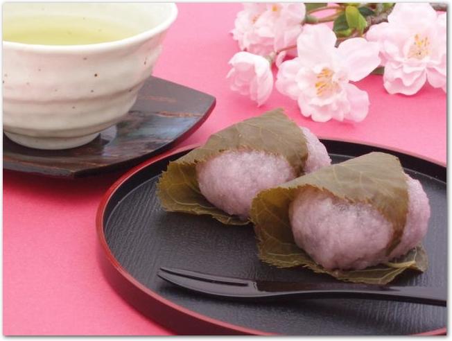 お茶と桜と桜餅