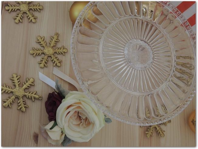 クリア製のケーキスタンド