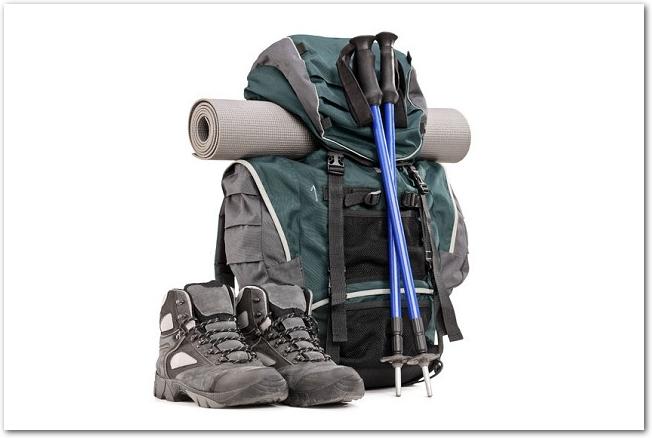 登山用のリュックサックと登山靴